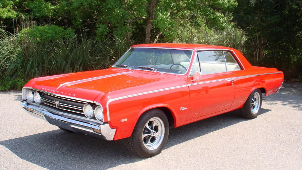 1964 Oldsmobile Cutlass Holiday Coupe 442